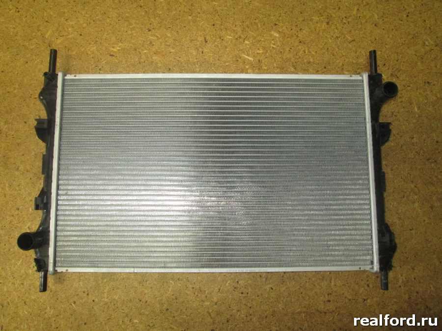 Радиатор охлаждения FORD TRANSIT 2.4D 00-б/конд.