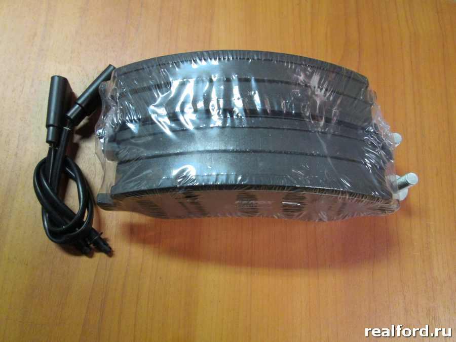 Колодки дисковые передние Ford Transit 06- 2.2TDCi, Transit Tourneo 2.2TDCi 07-
