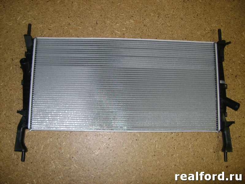 Радиатор охлаждения двигателя FORD TRANSIT VII
